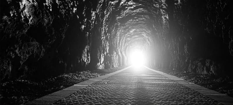 Há luz (solar) no fim do túnel